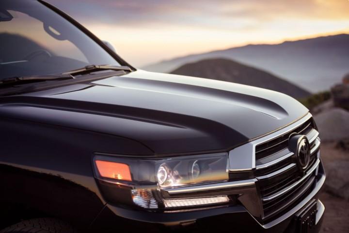 Nowa Toyota Land Cruiser 300 – silnik V6 i elektryk