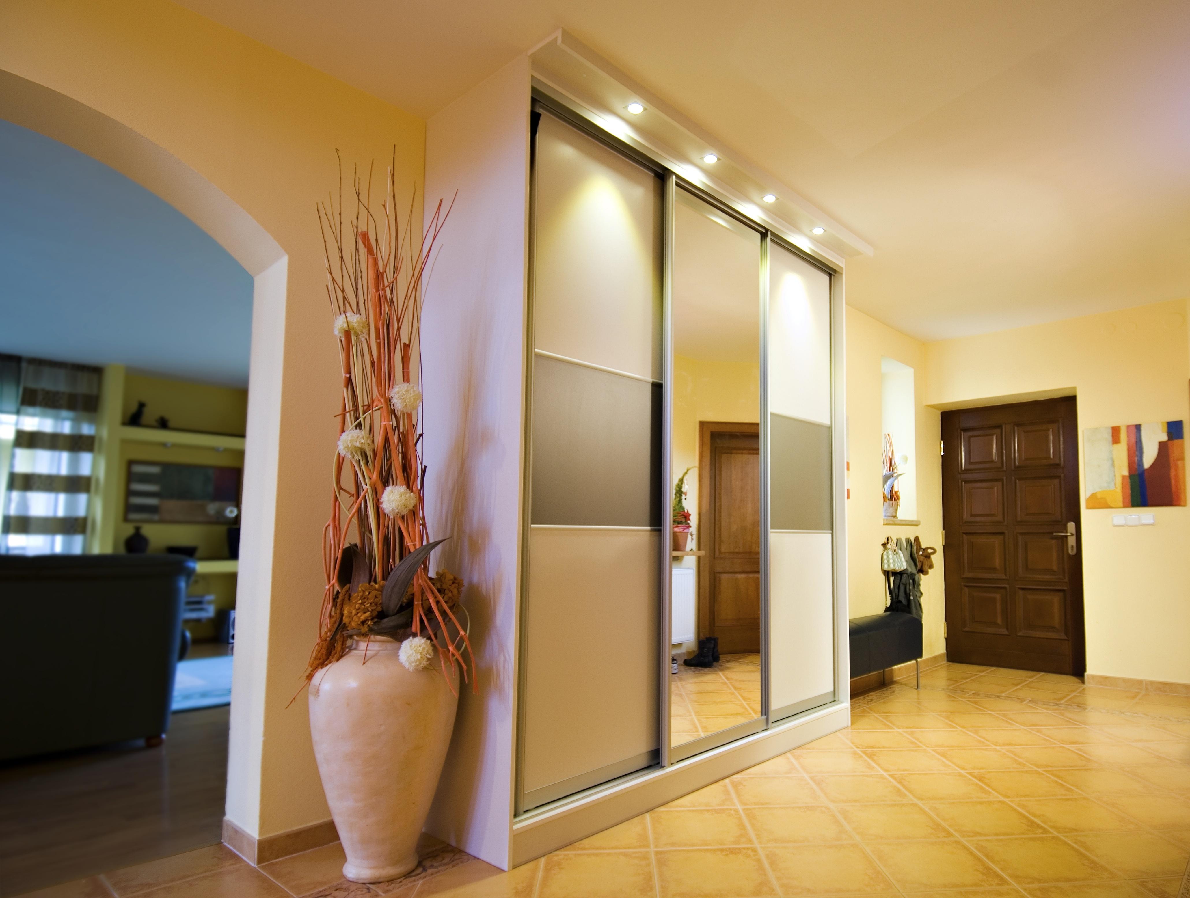 jak o wietli przedpok j o wietlenie projektowanie wn trz. Black Bedroom Furniture Sets. Home Design Ideas