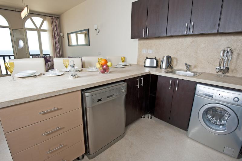 Gdzie umieścić pralkę  w kuchni czy w łazience?  Sprzęt  Łazienka  Infor pl -> Kuchnia Gazowa Wolnostojąca Czy Do Zabudowy
