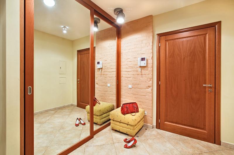 Lustrzana Szafa Spos 243 B Na Powiększenie Pomieszczeń W