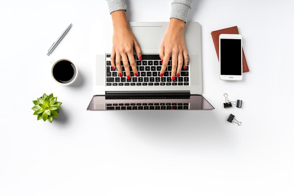 Sprzedaż firmowego laptopa osobie prywatnej a kasa fiskalna