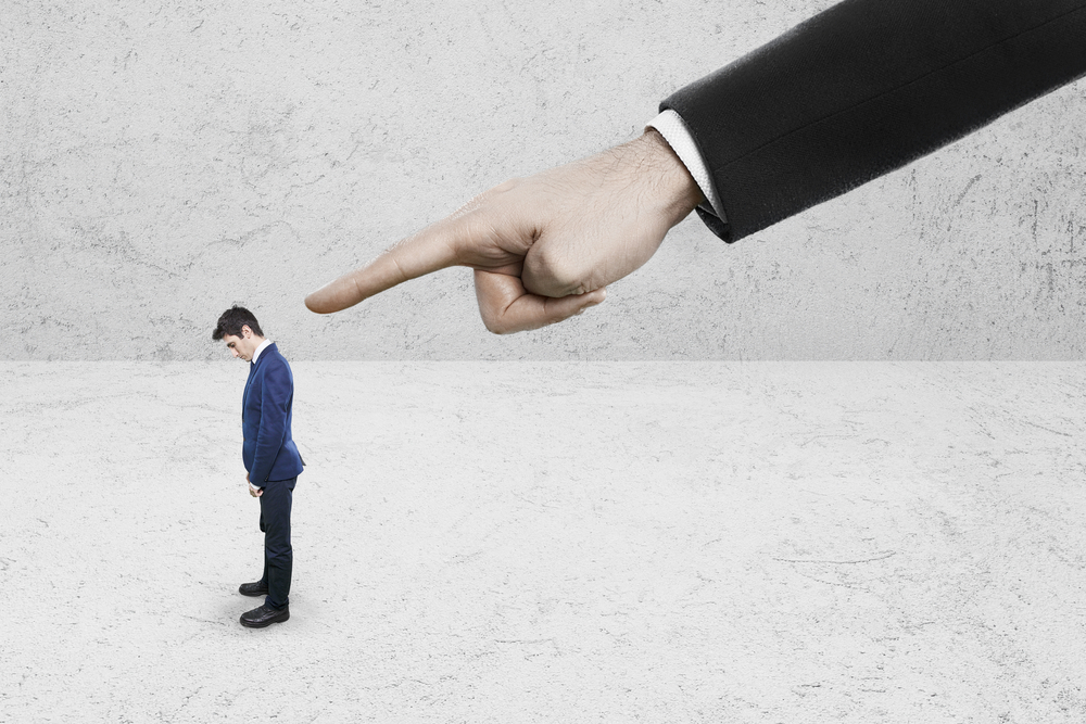 Jak samorządy dbają o właściwe relacje pracownicze i zapobiegają mobbingowi