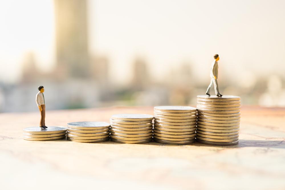 Wynagrodzenia i zatrudnienie w samorządach