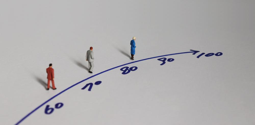 Wiek emerytalny powinien być wydłużony i równy dla kobiet i mężczyzn