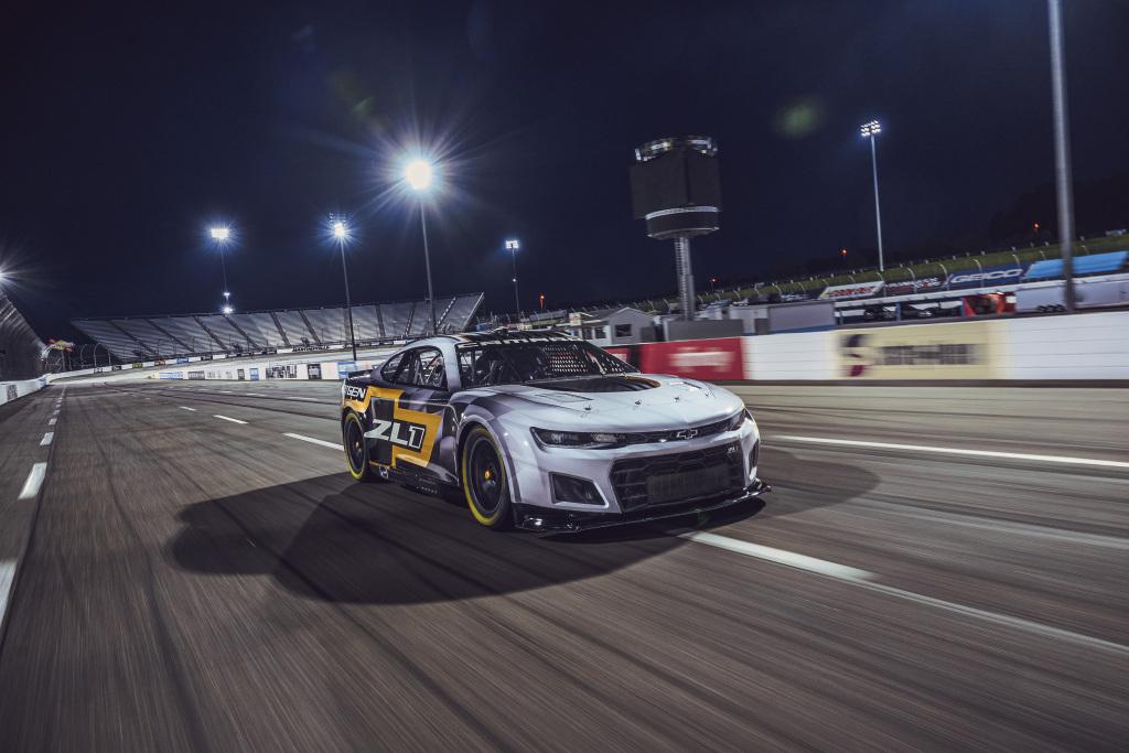 NASCAR to amerykańskie F1? Trochę tak i trochę nie