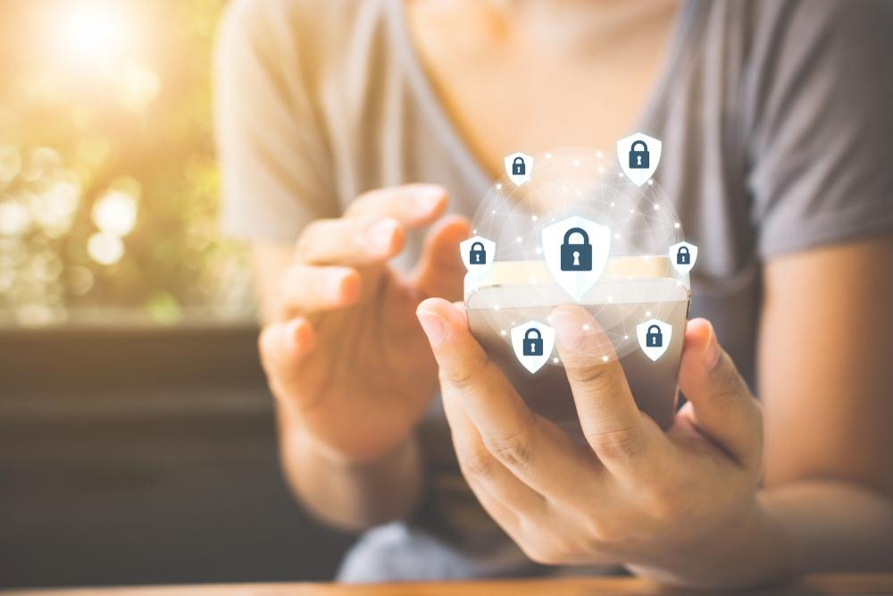 Spoofing – co to jest i jak się chronić?