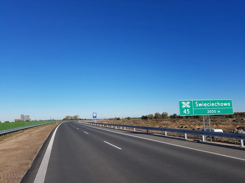 Czy na drodze jednokierunkowej trzeba włączać kierunkowskaz?
