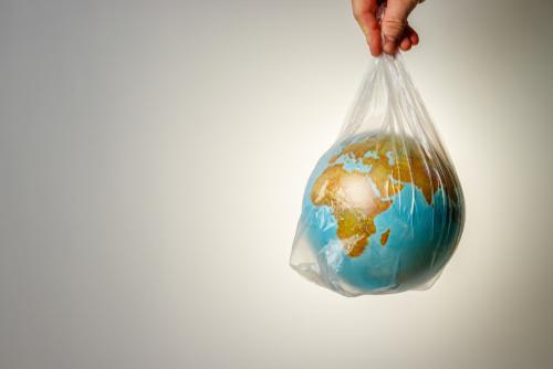 Od 1 września opłata recyklingowa za każdą torbę foliową z