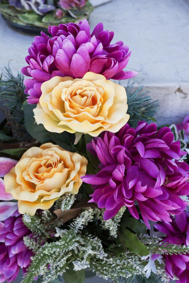 Jak Zrobić Wiązankę Na Grób Ze Sztucznych Kwiatów Kwiaty