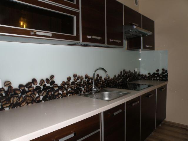 Panele Szklane Praktyczne I Modne Wykonczenie Scian W Kuchni